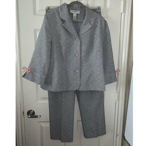 SagHarbor Dress Gray and pink 2 piece suit